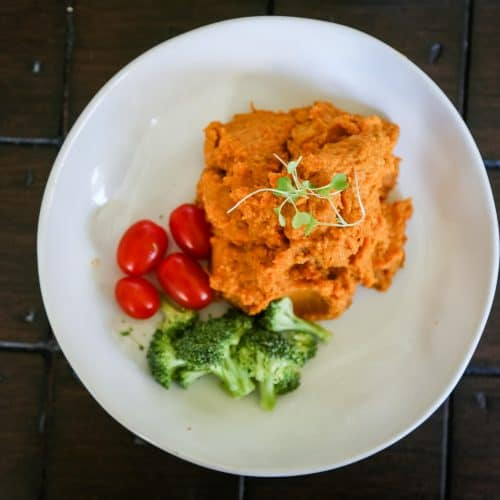 vegan roasted carrot hummus