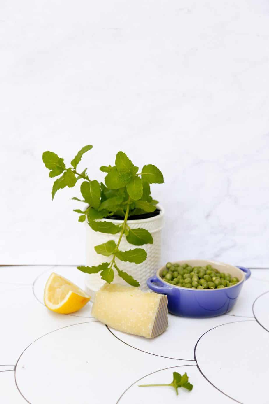 vegan pea pesto with mint crostini ingredients